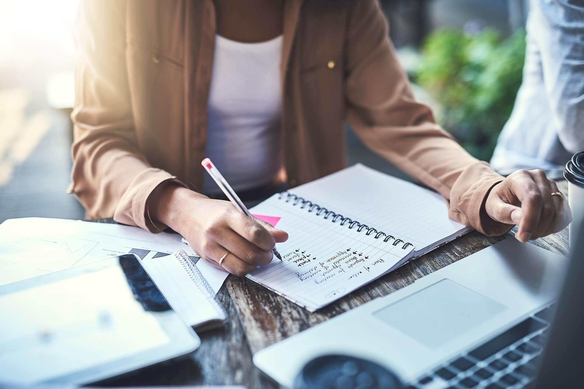 Como escrever ótimos relatórios de resultado para clientes