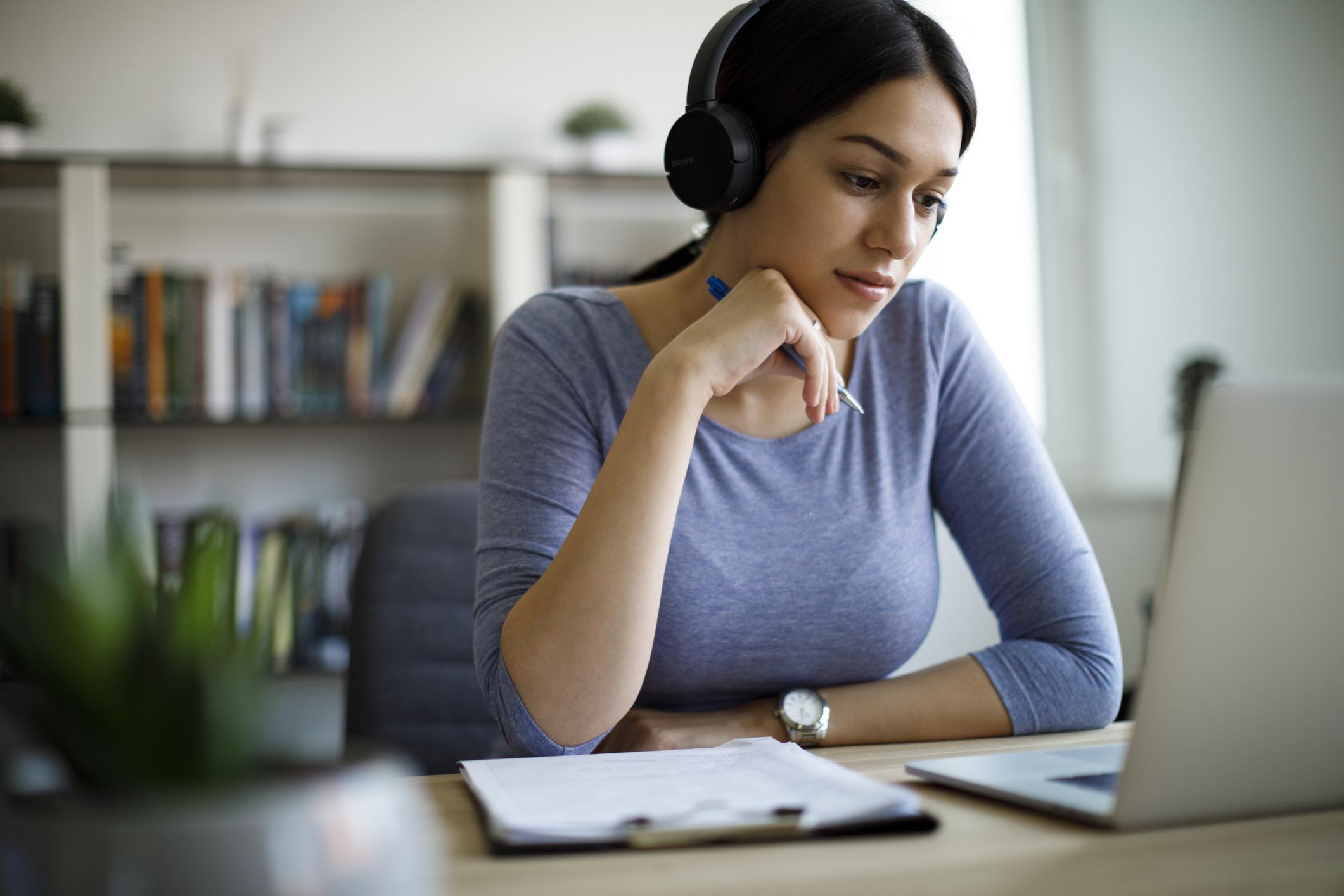 Como criar cursos on-line e vender o que você ou sua empresa sabem fazer